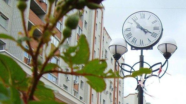 Уличные часы. Россия, город Энгельс