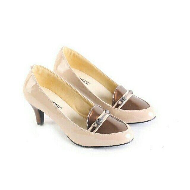 Temukan Garsel Sepatu Formal Wanita - L 597 seharga Rp 165.000. Dapatkan sekarang juga di Shopee! http://shopee.co.id/jimbluk/104159432