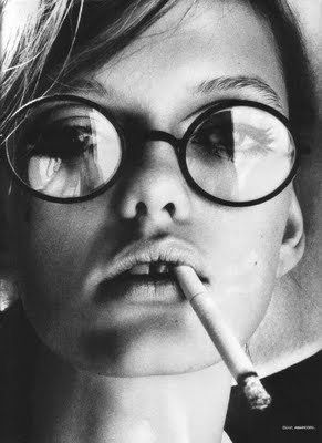 with glasses: Geekchic, Round Glasses, Black And White, Lauren Hutton, Black White, Vanessa Paradis, Vanessaparadi, Geek Chic, Kate Moss