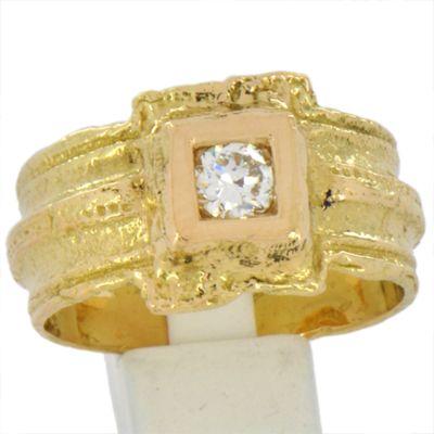 Bague fibule en or jaune et diamant. Collection Antique de Luc Taillandier.  http://www.luc-t.com