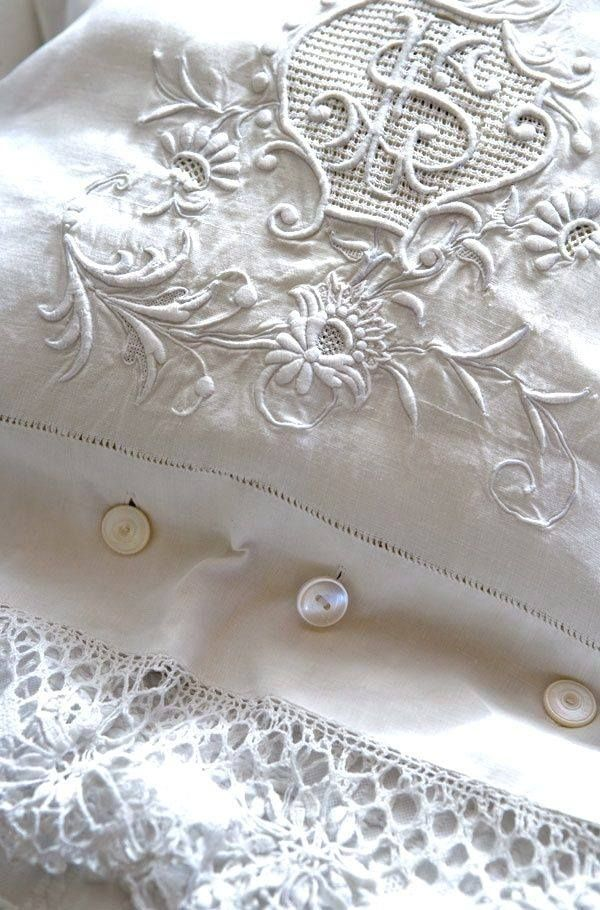 ❥ beautiful embroidered linen with buttons