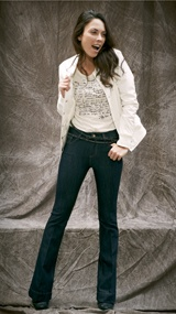 Teddy Smith, collection AH 12/13.  Blouson Binty  T-shirt Twit  Jean Peam   Ceinture Bampton    #teddysmith #bluebox #blouson #tshirt #twit #jean #ceinture #woman #apparel #look
