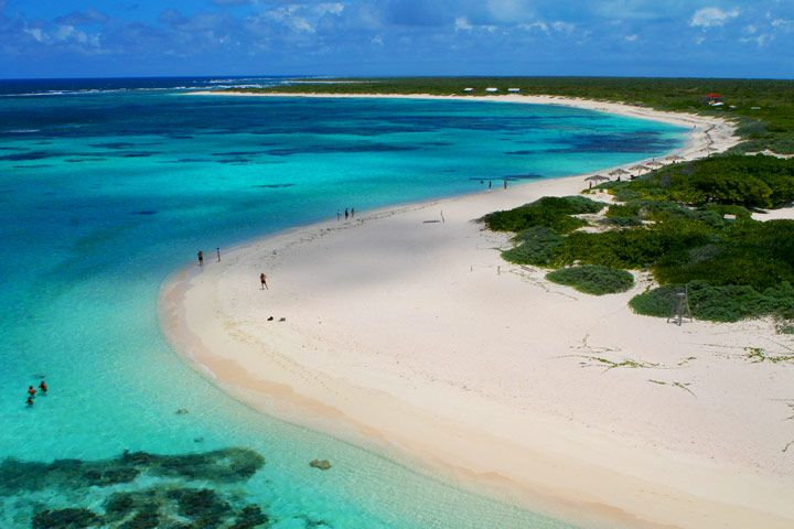Anegada is unlike virtually all the other British Virgin Islands, and its flat and featureless topography has earned it the nickname