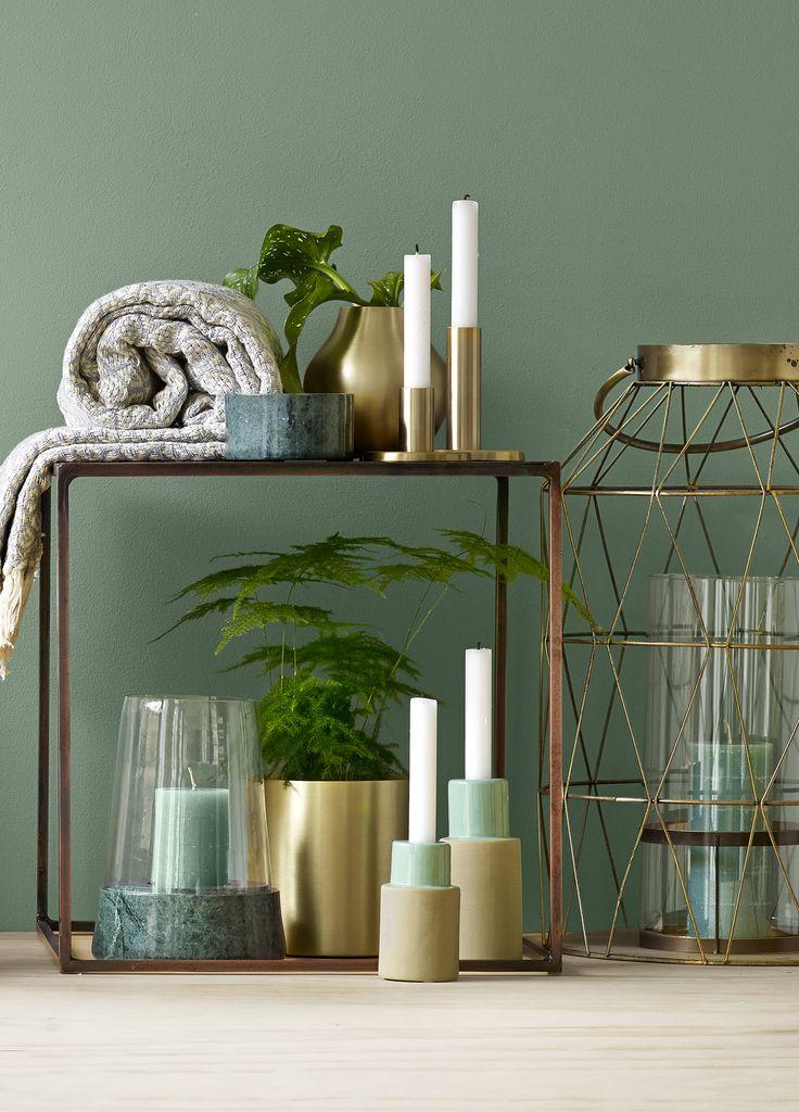 Her har vi valgt en kombination af Botanica, marmor og gyldent messing. Men der er mange muligheder. #inspirationdk #bolig #botanik #trend #boligtrend
