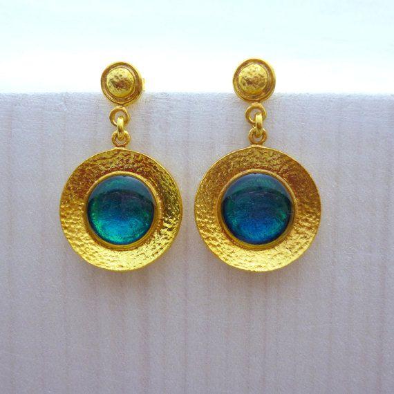 Modern Earrings, Emerald Earrings, Hammered Earrings, Gold Emerald Earrings, Stud Earrings, Elegant Earrings, Wedding Jewelry, Gift for her