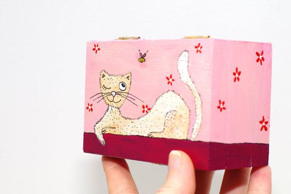 Hand painted wooden pink small box with cat and bee art - Jewelry case for treasuries - Souvenir gift for girl - Trinket box  Its a lightweight, nice