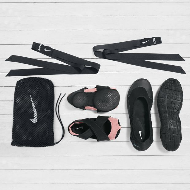 Nike Studio Wrap Pack