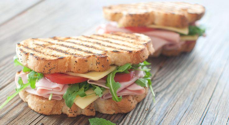 Toast: tante ricette gustose da copiare    #LeIdeediAIA #AIA #toast #panino #panini #prosciutto #uovo #uova #insalata #cucina #cucinare #cook #cooking #food #foodie #eat