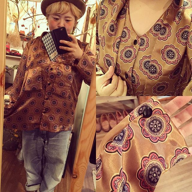 【choosy.choosy】さんのInstagramをピンしています。 《本日秋冬物大量入荷しました♡ サテン地の花柄ブラウス。色は茶色とゴールドが混ざった感じで光沢のある上品なブラウスです!  #choosy #ものがたりを着る #静岡 #古着 #レディース古着 #古着屋 #セレクトショップ #作家 #アクセサリー #絵本 #森 #vintage #antique #usedclothing #used #jpn #Shizuoka #コーディネート #スタイリング #お洒落さんと繋がりたい》