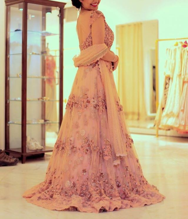 Blush pink outfit perfect for engagement or sangeet day! #indanbride #bridal #pakistani #gown #anarkali #indianwedding