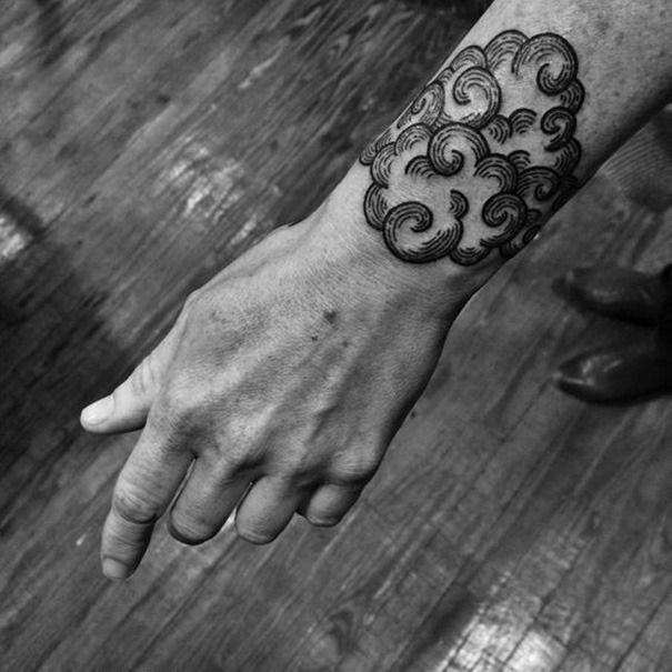 Top 30 Wolken Tattoo Designs