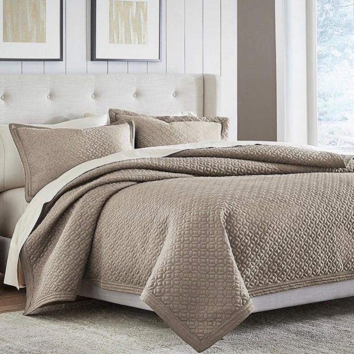 Croscill Fulton Taupe Queen Quilt Coverlet 2 Standard Shams Queen Quilt Quilted Coverlet Queen Size Quilt Dimensions What is a coverlet quilt