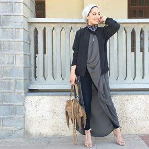 gray with black hijab look- Stylish turban looks by Asia Akef http://www.justtrendygirls.com/stylish-turban-looks-by-asia-akef/