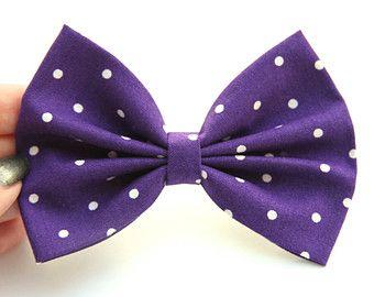 Artículos similares a Liga de la boda juego - púrpura/ciruela oscuro, lila y gris de carbón de leña, flores roseta, personalizada colores disponible en Etsy💜