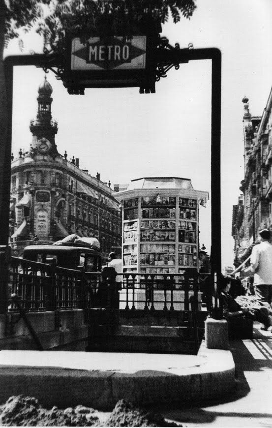 Metro en la calle Alcalá en 1943