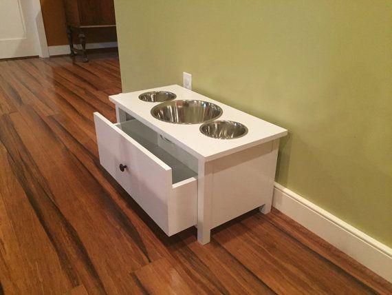 Dog bowl stand von TwistedTwigWoodworks auf Etsy
