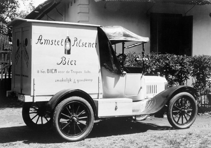 T-Ford delivering Amstel beer in Semarang (Indonesia) in 1927