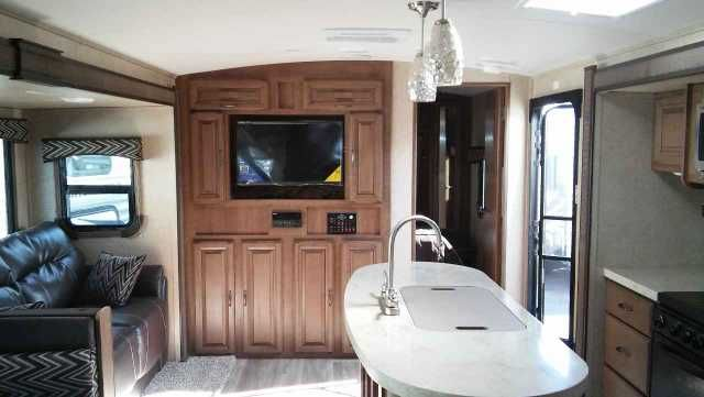 2016 New Cruiser Rv Corp Fun Finder F-266KIRB Travel Trailer in California CA.Recreational Vehicle, rv, 2016 Fun Finder F-266KIRB, Sleeps5Slides2Length29 ft 10 inExt Width8 ftExt Height10 ft 5 inInt Height6 ft 9 inInterior ColorEARTHSTONEHitch Weight600 lbsDry Weight5725 lbsCargo Weight1875 lbsFresh Water Capacity44 galsGrey Water Capacity76 galsBlack Water Capacity38 galsFurnace BTU30000 btuTake the Fun Finder F-266KIRB travel trailer by Cruiser RV with you on your next camping adventure…