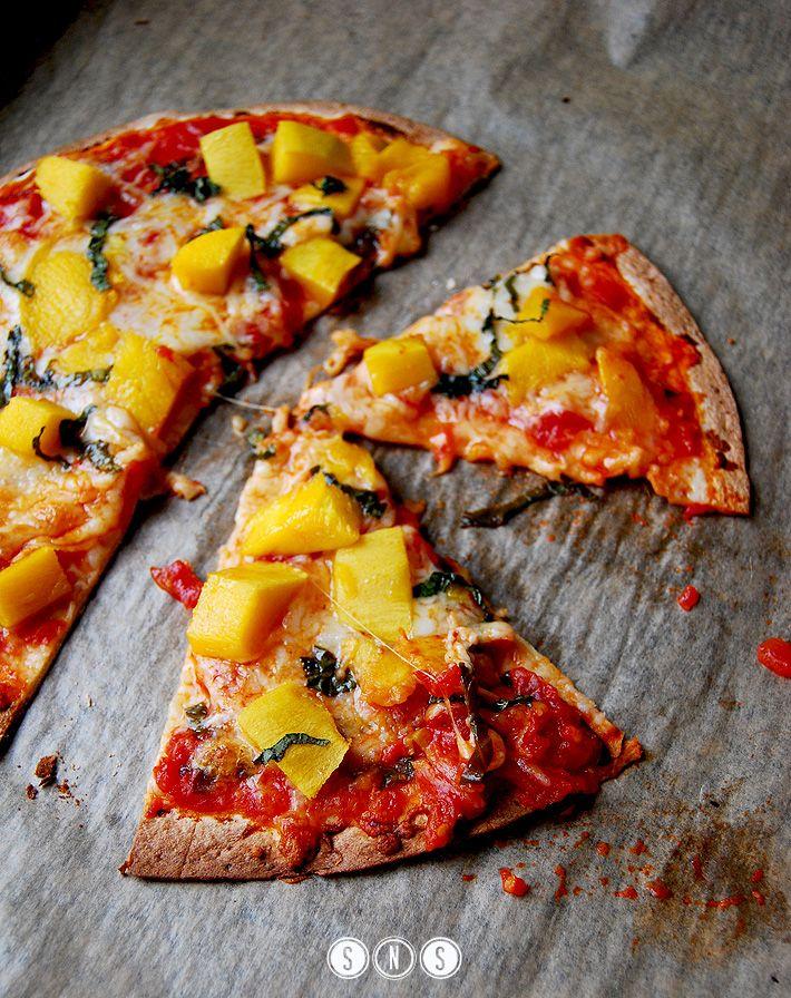 Tortilla pizza mango