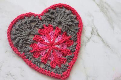 Emma Wilkinson Designs: Wind Rose Heart - free pattern.