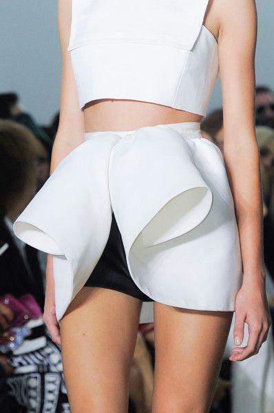 Sculptural Fashion 3D white mini skirt with curled contours // Giambattista Valli Spring 2014