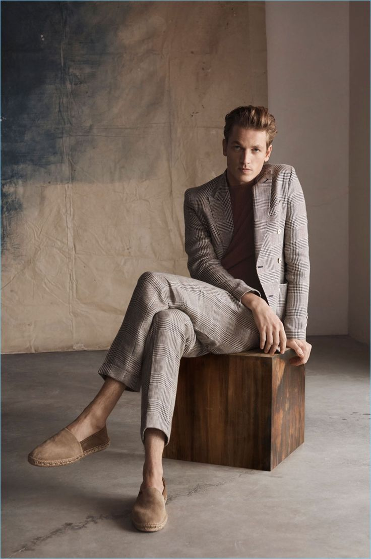 Hugo Sauzay dons a suit and espadrilles for Massimo Dutti's spring-summer 2018 campaign.