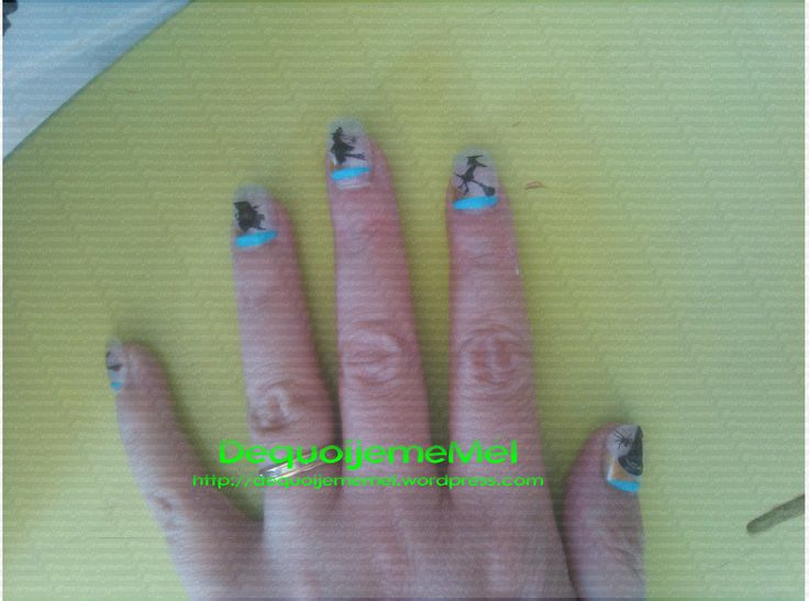 #Halloween #projet52 Je te montre mes ongles encore une fois ... ça va finir en habitude ! http://dequoijememel.wordpress.com/2014/11/02/montre-moi-tes-ongles-projet52-44-halloween/