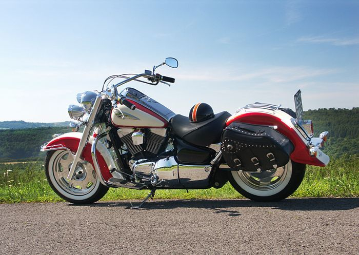 Nice red and white Suzuki Intruder 1500