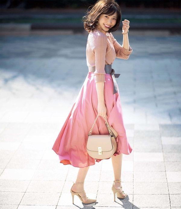 講談社 withオフィシャルサイト   この春の人気No.1スカートは、うすめピンクのロング丈フレアー!