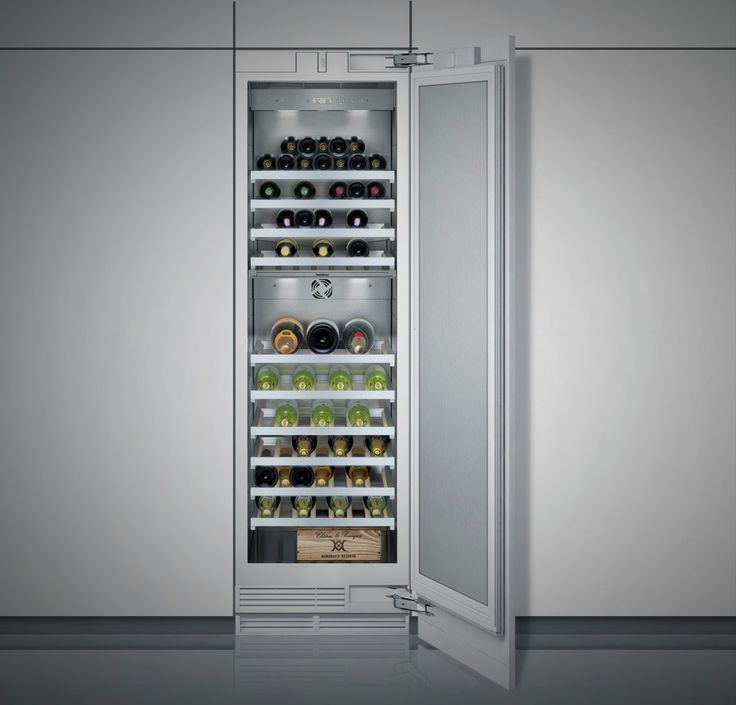 Vario Wine Climate Cabinet 400 Series - With the RW 464 wine climate cabinet you can enjoy your wine always at the right temperature. It offers space for up to 101 bottles and has two independently controlled climate zones. The electronic control system ensures constant temperatures of 5°C to 18°C, which can be set to the exact degree.