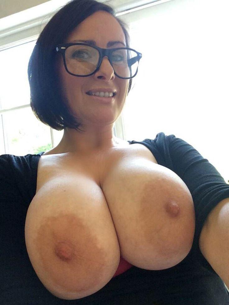 Milf with great nips 1