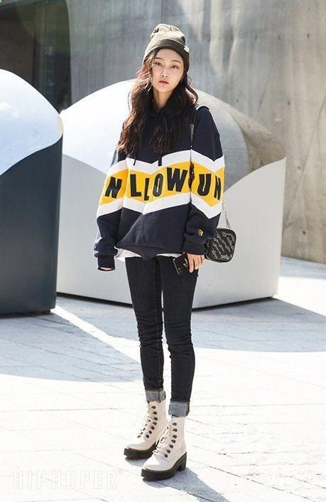 Simple and Sexy Korean Seoul Street Fashion. Korean Fashion 2017 Ideas Similar to Sonyunara, this is the site to check out if your fashion keywords ar…