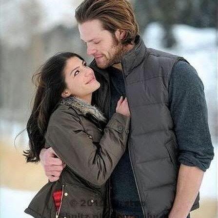 Jared Padalecki e Genevieve Cortese (sim, a Ruby) anunciaram que estão esperando mais um filho. Será o terceiro da casal. E a família só aumenta  #Supernatural
