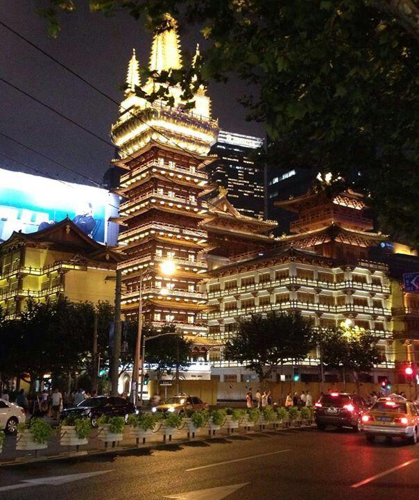 Night View of Jingan Temple @ Shanghai / 2013.07.15