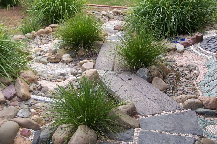 interactive creeks, creeks, dry river beds, pebbles, river stones, mosaics, interactive, childcare centres, preschools, schools, playgrounds...
