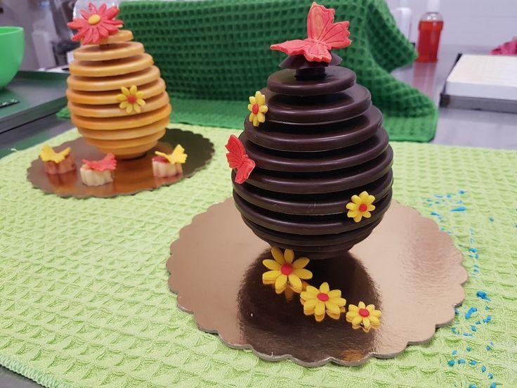Uova di cioccolato artistiche