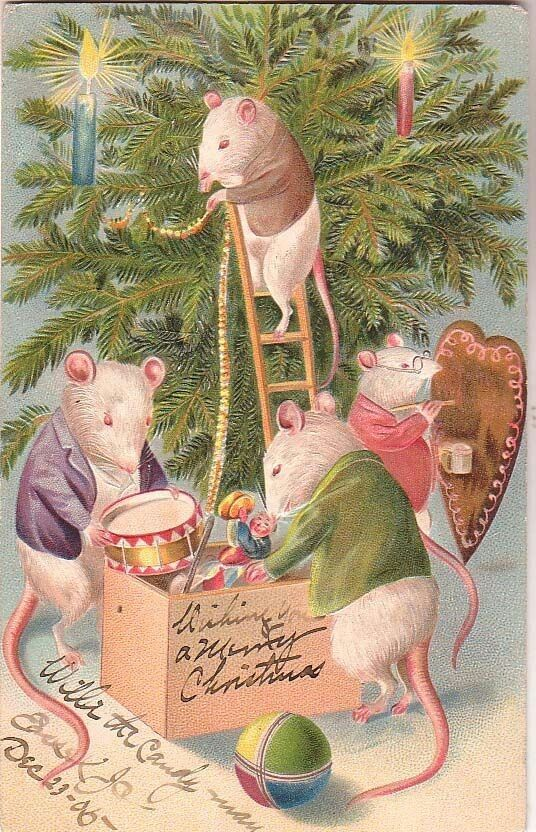 Mice decorating tree