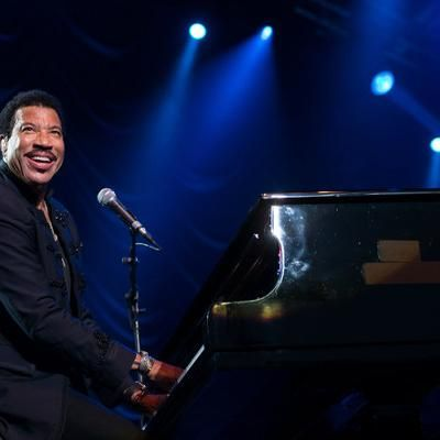 "Buzzing: Lionel Richie Talks Adele Collaboration: ""I'd Love to Be Able to Get in a Room and Just Play"" #fashion"