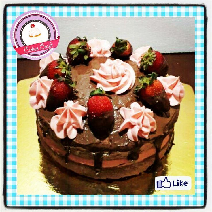 Nude Cake😍! / CID - 578 #tortatematica #barranquilla #cakestagram #uniautonoma #uniatlantico #uninorte #unilibre #unimetro  #hbd #cumpleaños #CakescraftKeados #cakeboss #cupcakewar #cakescraftbq #airsoft #halamadrid #jamesrodriguez10 #collagecostacaribe #enchufetv #aotronivel #nudecake #viernes #avianca #friday #conlafeintacta #flower #strawberries #frutas #vamoscolombia #fresas