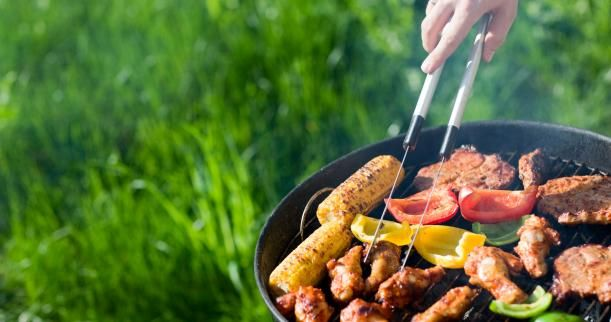 Summer also means barbecues with friends and loved ones <3