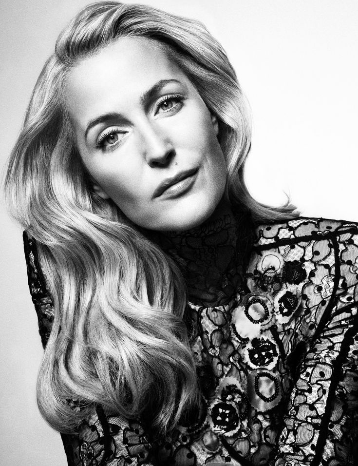 X-Files Star Gillian Anderson Is an Small Screen Legend | W Magazine