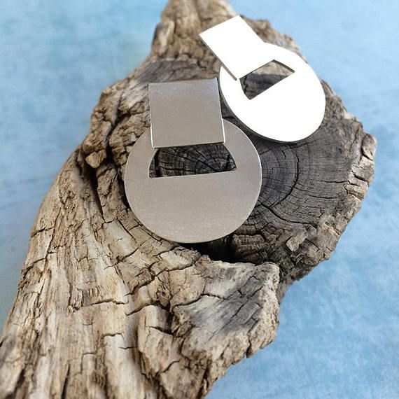 Stud silver earrings > circles silver earrings  >geometric earrings. Handmade by Carla Amaro