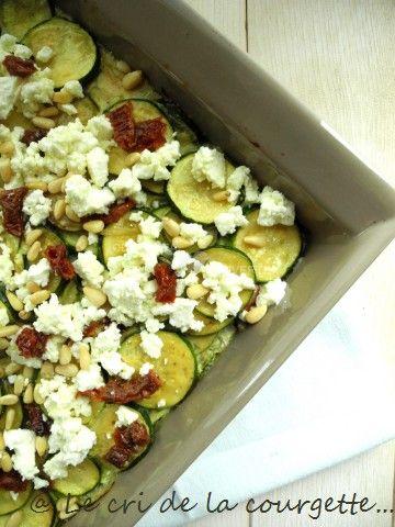Gratin bio de courgette à la fêta, tomates confites et pignons   Recettes de cuisine bio : Le cri de la courgette...