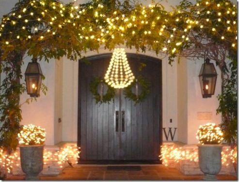 exterior christmas sally wheat: Christmas Entry, Design Ideas, White Lights, Double Doors, Christmas Lights, Christmas Lush, Front Doors, Christmas Decor, Christmas Outdoor