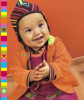 Ottobre baby hat pattern--https://www.dropbox.com/s/zabmdw2f1cqh47e/bib.pdf