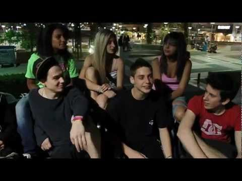 Νέα Σμύρνη – στην πλατεία για parkour (video)