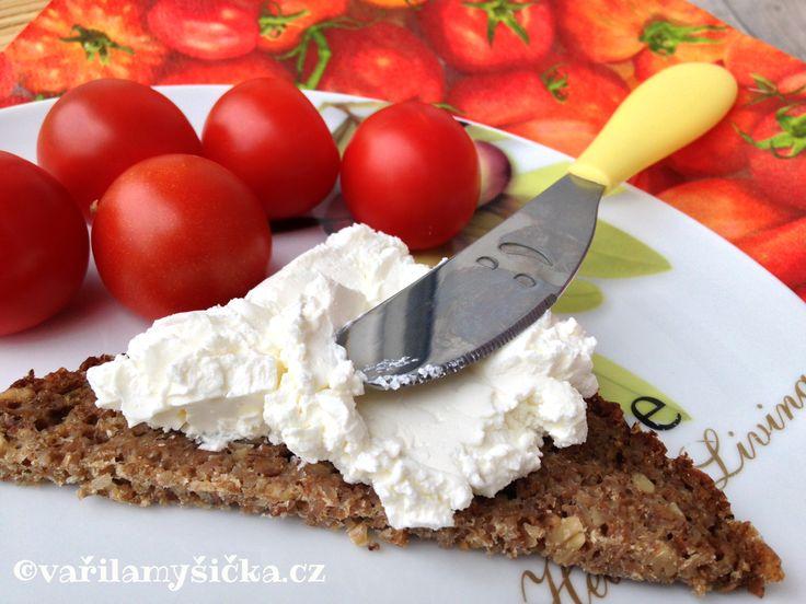 Domácí přírodní sýr jako lučina - zvládne každý - Vařila myšička - www.varilamysicka.cz