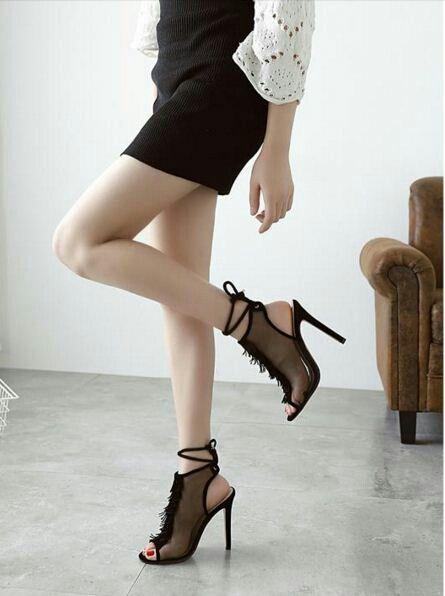 $19 ==> $18.5 - Black Lady Peeps Slingback! #peeptoes #highheels #onlineshop #oli_oddie