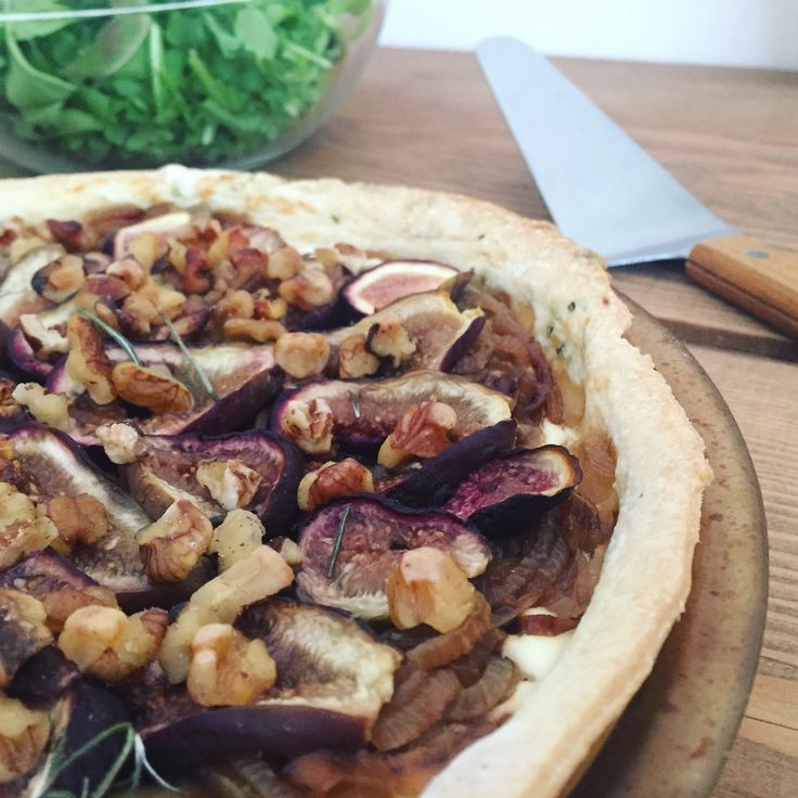 Goat cheese tart with figs and balsamic caramelized onions, rosemary and olive oil crust