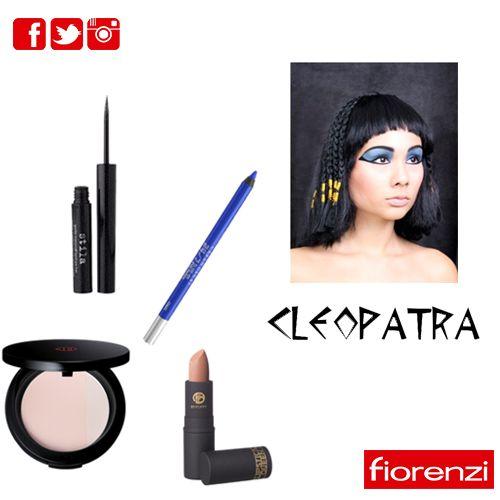 Buscas opciones fáciles  de maquillaje? Para este solo necesitas lápiz de ojos azul, delineador negro y lápiz labial neutro. #HalloweenFiorenzi